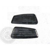 82-9372/3 Knee Grips (Genuine NOS) Triumph T150 Trident